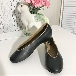 Zigi NY Black Leather Ballet Flats w/ Hidden Wedge